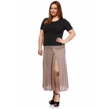 "Zwiewna spódnica maxi Moe L and L 033 w kolorze cappuccino złożona z czterech klinów.<br /><br />• 50% wiskoza • 50% poliester<br /><br /><table style=""height:267px;width:90%;"" border=""0"" cellspacing=""1"" cellpadding=""1"" align=""left""><tbody><tr><td style=""padding:0px;margin:0px;text-align:center;""> </td> <td style=""padding:0px;margin:0px;text-align:center;background-color:#000000;""><span style=""font-family:'trebuchet ms', helvetica, sans-serif;""><span style=""color:#ffffff;""><span style=""font-size:14px;""><strong>44/46</strong></span></span></span></td> <td style=""padding:0px;margin:0px;text-align:center;background-color:#000000;""><span style=""font-family:'trebuchet ms', helvetica, sans-serif;""><span style=""color:#ffffff;""><span style=""font-size:14px;""><strong>48/50</strong></span></span></span></td> <td style=""padding:0px;margin:0px;text-align:center;background-color:#000000;""><span style=""font-family:'trebuchet ms', helvetica, sans-serif;""><span style=""color:#ffffff;""><span style=""font-size:14px;""><strong>52/54</strong></span></span></span></td> </tr><tr><td style=""padding:0px;margin:0px;vertical-align:middle;width:550px;background-color:#000000;""><span style=""color:#ffffff;""><span style=""font-family:'trebuchet ms', helvetica, sans-serif;""><strong><span style=""color:#ffffff;""><span style=""font-family:'trebuchet ms', helvetica, sans-serif;""><strong> SZEROKOŚĆ W PASIE:</strong></span></span></strong></span></span></td> <td style=""padding:0px;margin:0px;text-align:center;width:150px;vertical-align:middle;""><span style=""color:#000000;""><span style=""font-family:'trebuchet ms', helvetica, sans-serif;"">38cm</span></span></td> <td style=""padding:0px;margin:0px;text-align:center;width:150px;vertical-align:middle;""><span style=""color:#000000;""><span style=""font-family:'trebuchet ms', helvetica, sans-serif;"">43cm</span></span></td> <td style=""padding:0px;margin:0px;text-align:center;width:150px;vertical-align:middle;""><span style=""color:#000000;""><span style=""font-family:'trebuchet ms', helvetica, sans-serif;"">48cm</span></span></td> </tr><tr><td style=""padding:0px;margin:0px;vertical-align:middle;background-color:#000000;""> <span style=""color:#ffffff;""><span style=""font-family:'trebuchet ms', helvetica, sans-serif;""><strong>SZEROKOŚĆ W BIODRACH:</strong></span></span></td> <td style=""padding:0px;margin:0px;text-align:center;width:150px;vertical-align:middle;""><span style=""color:#000000;""><span style=""font-family:'trebuchet ms', helvetica, sans-serif;"">51cm</span></span></td> <td style=""padding:0px;margin:0px;text-align:center;width:150px;vertical-align:middle;""><span style=""color:#000000;""><span style=""font-family:'trebuchet ms', helvetica, sans-serif;"">59cm</span></span></td> <td style=""padding:0px;margin:0px;text-align:center;width:150px;vertical-align:middle;""><span style=""color:#000000;""><span style=""font-family:'trebuchet ms', helvetica, sans-serif;"">63cm</span></span></td> </tr><tr><td style=""padding:0px;margin:0px;vertical-align:middle;background-color:#000000;""><span style=""color:#ffffff;""><span style=""font-family:'trebuchet ms', helvetica, sans-serif;""><strong> DŁUGOŚĆ CAŁKOWITA:</strong></span></span></td> <td style=""padding:0px;margin:0px;text-align:center;vertical-align:middle;""><span style=""color:#000000;""><span style=""font-family:'trebuchet ms', helvetica, sans-serif;"">90cm</span></span></td> <td style=""padding:0px;margin:0px;text-align:center;vertical-align:middle;""><span style=""color:#000000;""><span style=""font-family:'trebuchet ms', helvetica, sans-serif;"">91cm</span></span></td> <td style=""padding:0px;margin:0px;text-align:center;vertical-align:middle;""><span style=""color:#000000;""><span style=""font-family:'trebuchet ms', helvetica, sans-serif;"">92cm</span></span></td> </tr></tbody></table><br />"